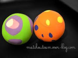 ballons-baudruche-et-balle-de-jonglage-7795402